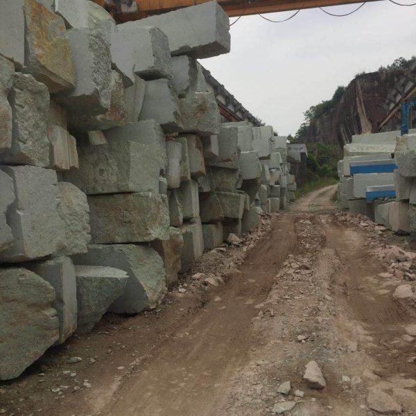 Ouming natrual-stone-granite-Vanilla green-block